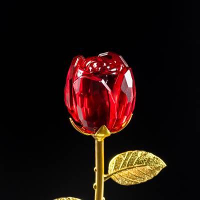 Róża z czerwonego kryształu