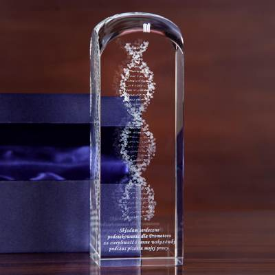 Kwas DNA 3D - szklana statuetka
