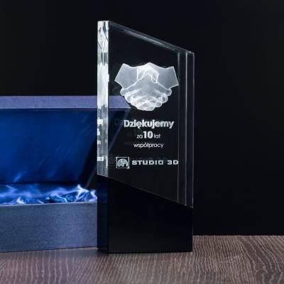 Kryształowe trofeum, podziękowanie za wieloletnią współpracę