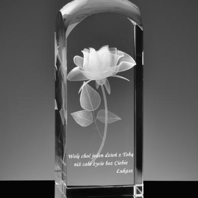Personalizowana dedykacja pod róża 3D w krysztale