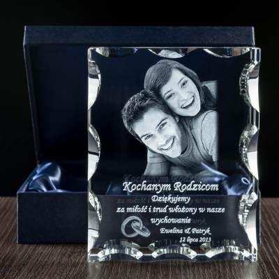 Ślubne podziękowania dla rodziców - Zdjęcie 3D wygrawerowane w krysztale