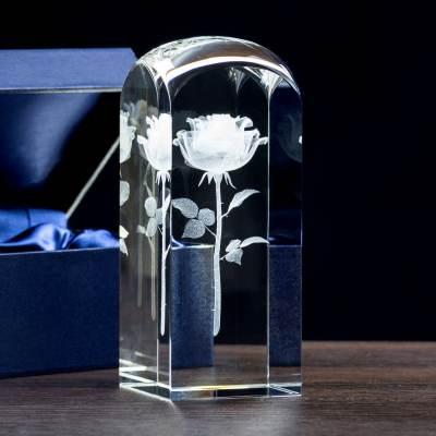 Nowa, trójwymiarowa róża 3D w pięknym krysztale