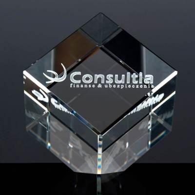 Ścięty kryształ z wizerunkiem firmy w postaci Logo