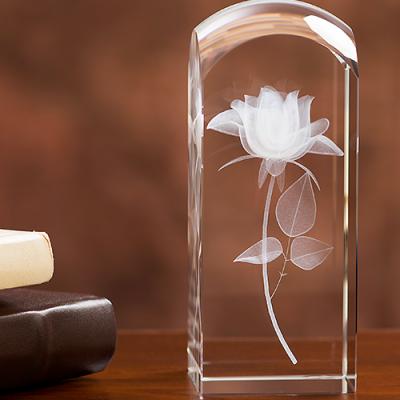Trójwymiarowa Róża wygrawerowana w szkle