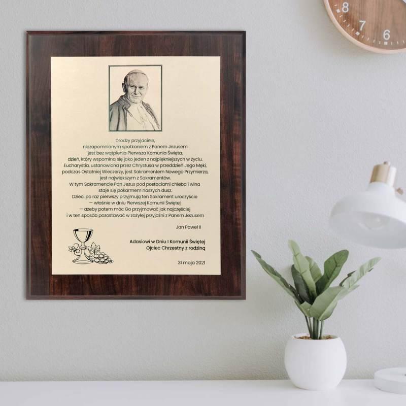 Okazała pamiątka I Komunii Świętej ze słowami Jana Pawła II