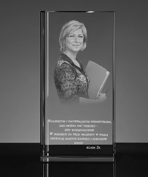 Zdjęcie nauczyciela na pamiątke - duży kryształ