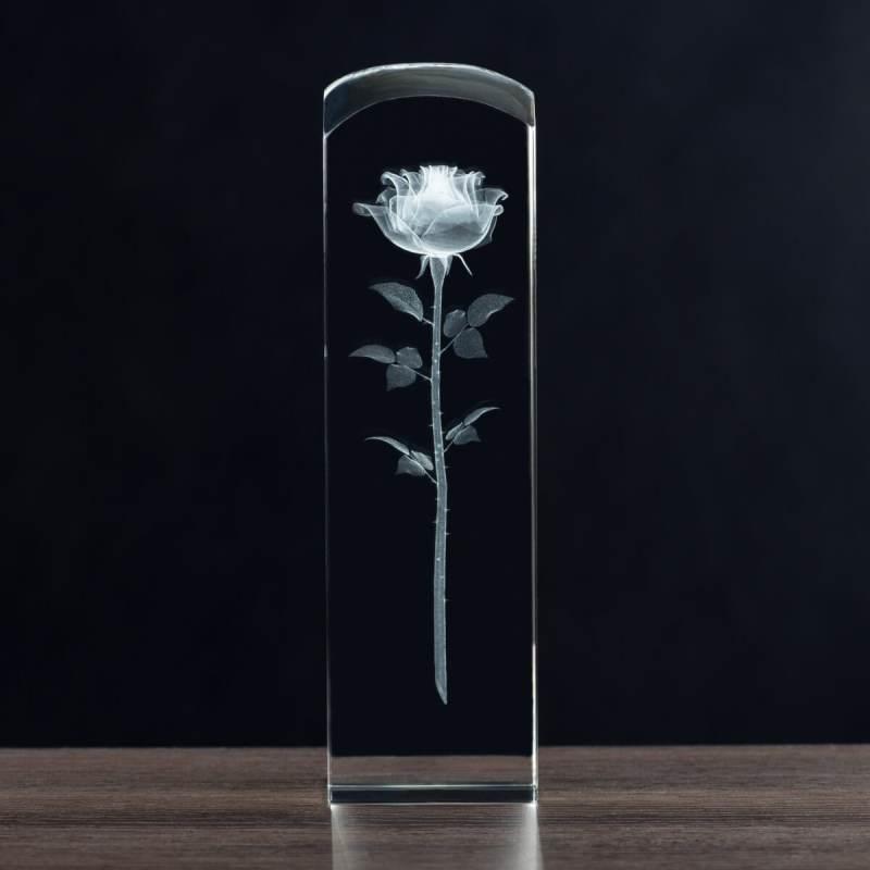 Róża w krysztale na dzień mamy