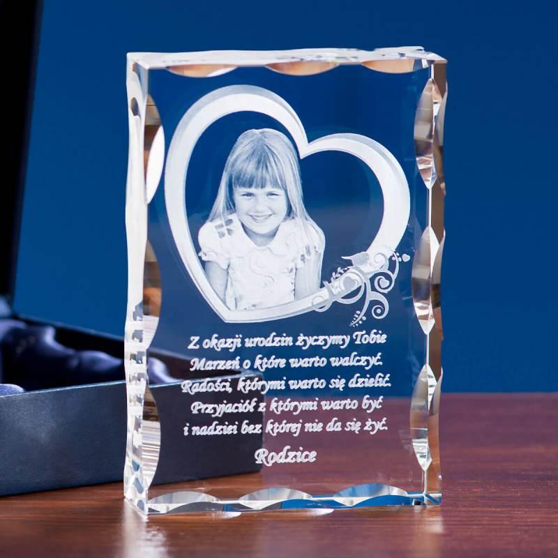 Pamiątka na urodziny - kryształowa statuetka
