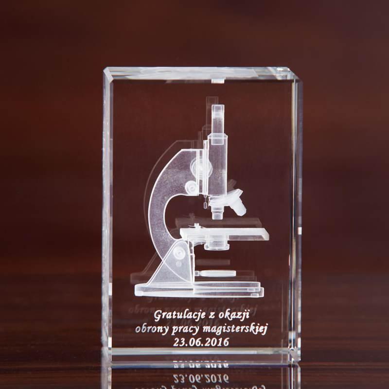 Mikroskop na gratulacje obrony pracy