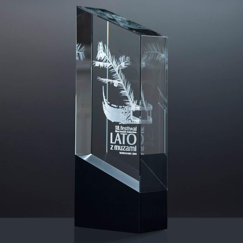 Personalizowane trofeum z kryształu, logo konkursowe