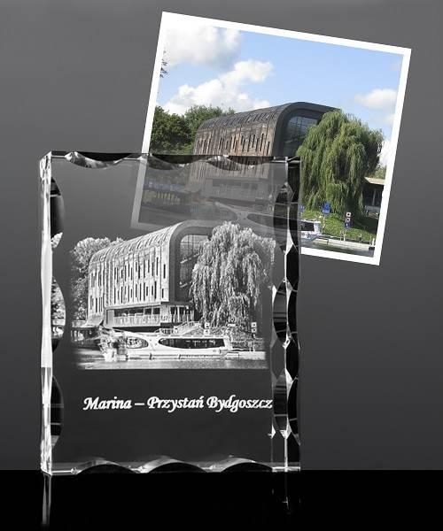 Symbol miasta wygrawerowany krysztale, Marina w Bydgoszczy