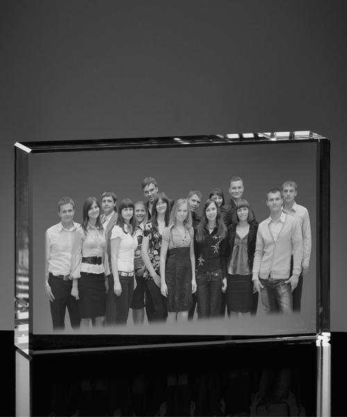 Zdjęcie grupowe w szkle