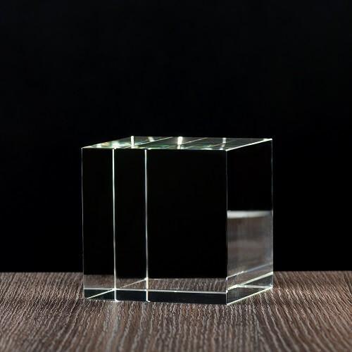 Krysztal sześcian prosty